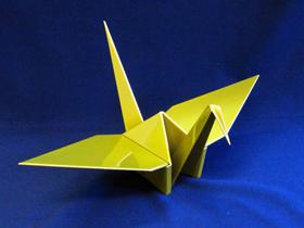 精密板金で制作した鶴