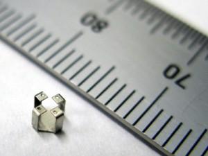 微細板金スイッチ