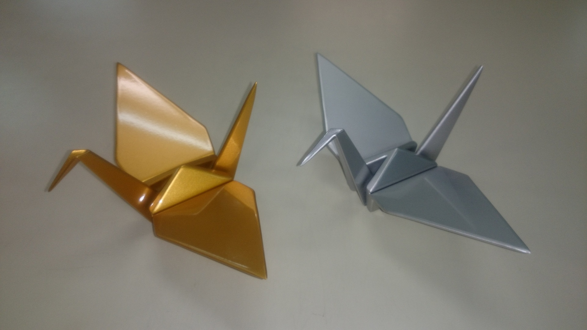 金型を使用せずに金属で折紙